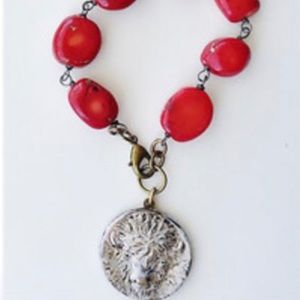 Jewelry - Coral bead, bison head medallion bracelet